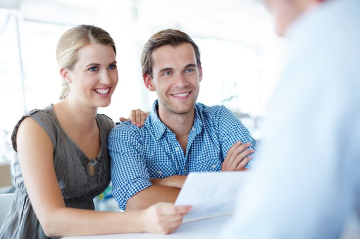 Couple considering why use a mortgage broker